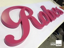 Robes 3d metal letters