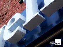 shop fascia letters close up1