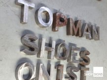 topman corroded 3D letters GALLERY
